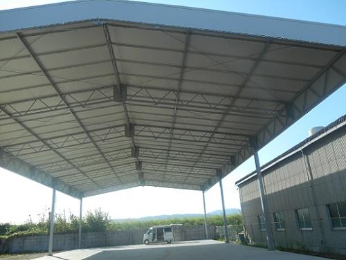 倉庫テント張り完了